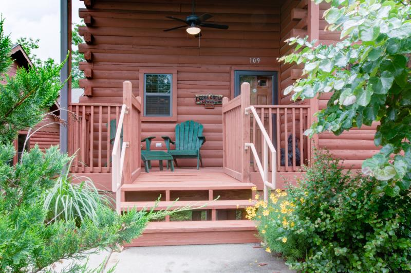 Check with us for last minute deals.   Great rates for Jan and Feb. - Image 1 - Branson - rentals