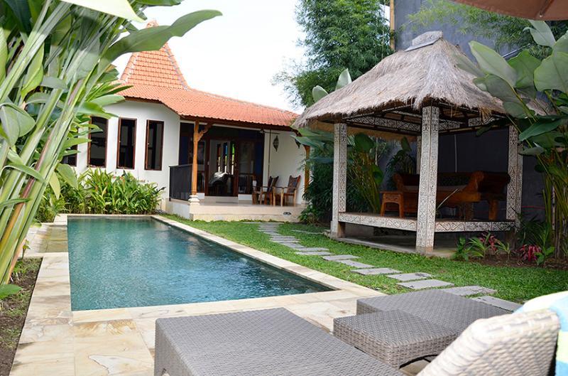 Huge pool, beautiful villa - That's Villa Paradise. - Villa Paradise - a modified Joglo in the tropics - Ubud - rentals