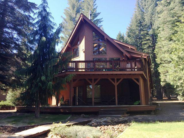 Back of House - Minton - Lake Almanor West Golf Course Home with all the Bells & Whistles - Lake Almanor - rentals