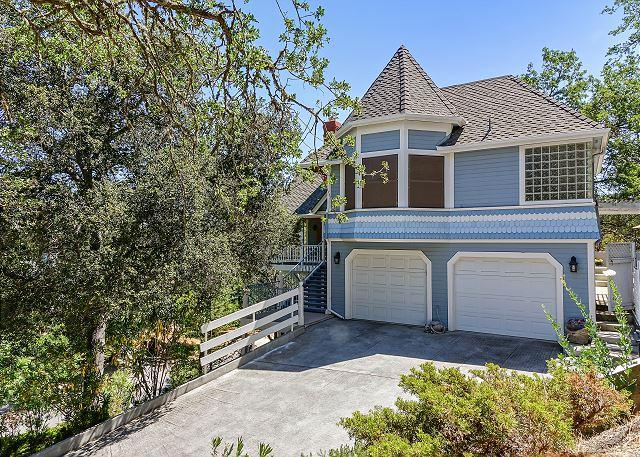 Vacation Home in Beautiful Oak Tree Canopy--Downtown Paso Robles! - Image 1 - Paso Robles - rentals