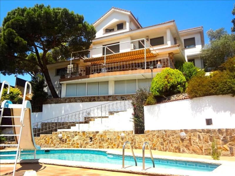 Villa Maravilloso 11-12 guests between Barcelona and Girona - Image 1 - Mollet del Valles - rentals