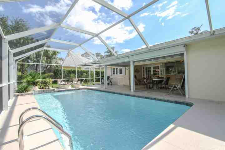 Tropical heated outdoor pool area provides an abundance of entertaining space for guests, as well as BBQ (propane/gas) grill for outdoor cooking. - Coquina Sands-1 story pool home-2 Blocks to Naples Beach Hotel/Gulf of - Naples - rentals