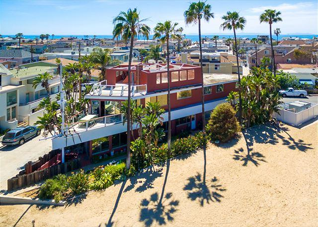 15% OFF OPEN NOV DATES -Famous Newport Ship House-On the Bay,Walk to the Sand - Image 1 - Newport Beach - rentals