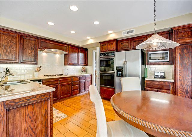 Modern Kitchen with all you need to meet your culinary desires. - Beautiful Home in San Clemente With AC! Community Pool in Neighborhood. - San Clemente - rentals