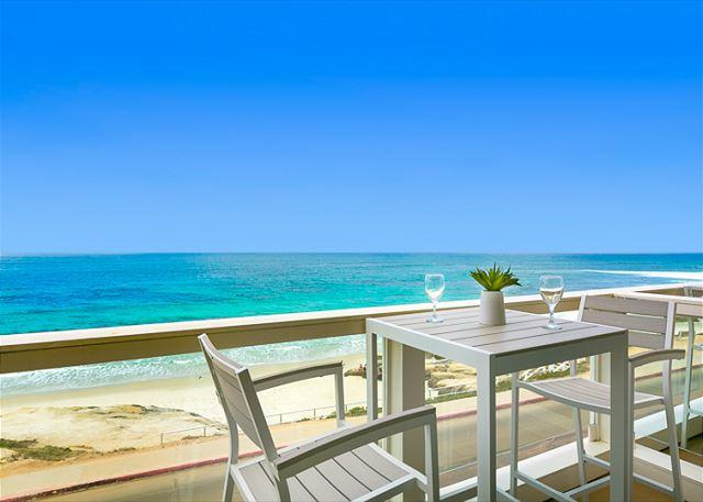 Enjoy sweeping ocean views from your private balcony. - Beachfront Bliss II  - Enjoy the beach and sweeping views - La Jolla - rentals