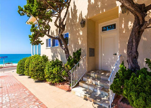 Front Door to unit on the right - ocean just steps away. - Beachfront Bliss IV - Just steps from the beach - La Jolla - rentals