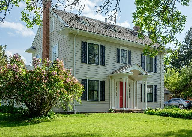 The Cleveland House in Bozeman's nicest historic neighborhood - New Offering! Historic Home with Huge Yard, 3BR - Bozeman - rentals