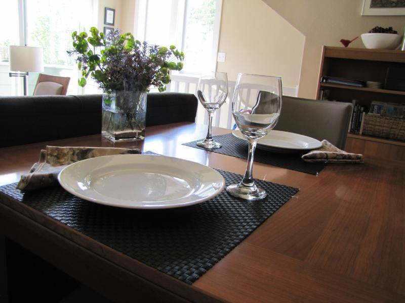 A place to dine - Ballard Abode, Seattle, WA Vacation Rental - Washington - rentals