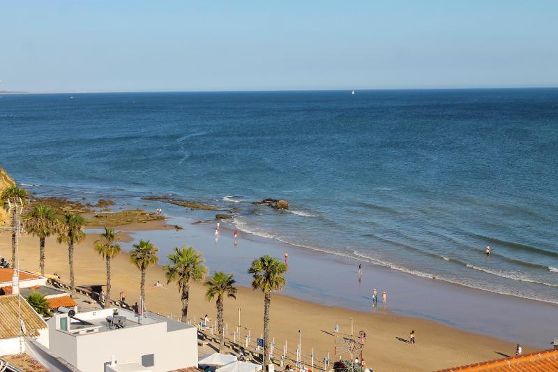 Varandas do Mar Apartamento T2_R, frente mar, Olhos de Água, Albufeira - Image 1 - Olhos de Agua - rentals