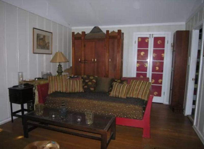 CHARMING AND SPACIOUS 2 BEDROOM, 1 BATHROOM APARTMENT - Image 1 - Los Angeles - rentals