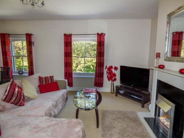 Lounge with views over Pannett Park, Whitby - Pannett Park View, Whitby, North Yorkshire - Whitby - rentals