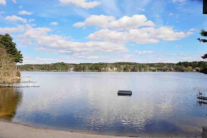Sunny Lake Delton...race you to the floating dock?! - Up to 35% OFF May/June Stays - Lighthouse Cove -Lake Views from all rooms- Lake - Wisconsin Dells - rentals