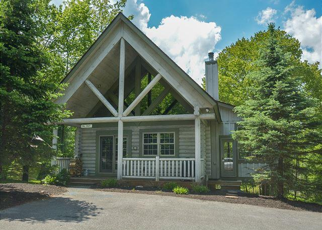 Exterior - Cute & Charming 3 Bedroom Log Home w/ Hot Tub in quiet community! - Oakland - rentals