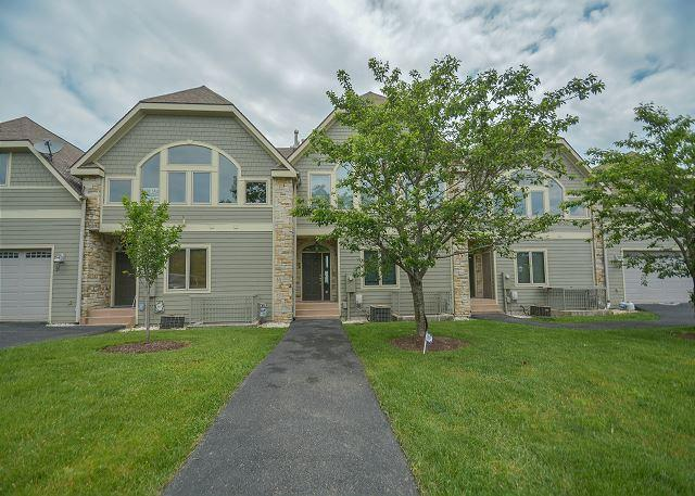 Exterior - Centrally located lake view townhome close to Wisp Resort! - McHenry - rentals