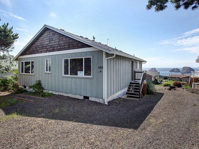 Oceanside Vista ~ RA5833 - Image 1 - Tillamook - rentals