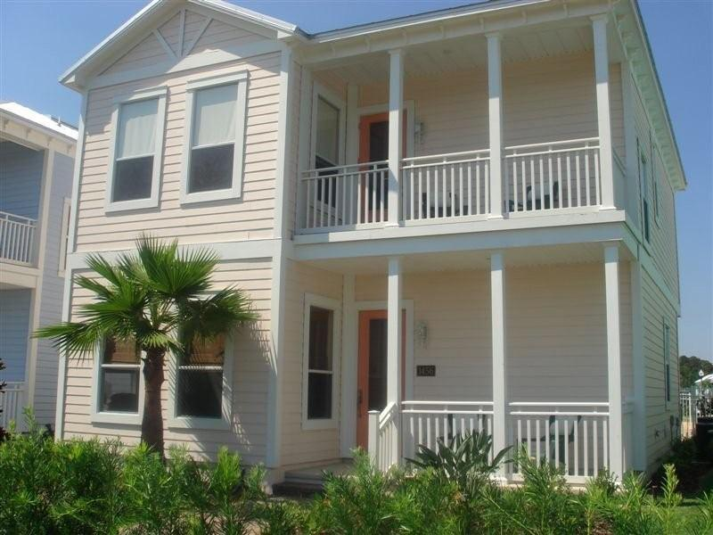 Coral House - 3 BR/3.5 BA - Stylish House with a Private Pool - Four Corners - rentals