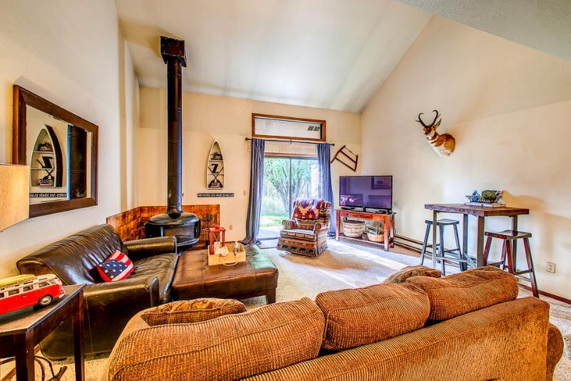 Great gathering space in living area. - Aspen s Grove - McCall - rentals