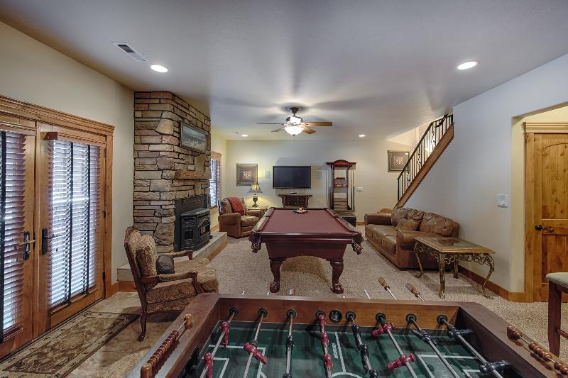 Game room with Hot Tub just outside. - Eagles Nest Lodge at Tamarack - Donnelly - rentals
