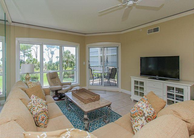 Living Area - 4102 Windsor Court-Oceanviews and Coastal Chic Upgrades galore - Hilton Head - rentals