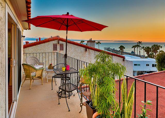 Ocean and pier view from your private balcony - 15% OFF OPEN APRIL DATES - Ocean View, Walk to Beach and Restaurants - San Clemente - rentals