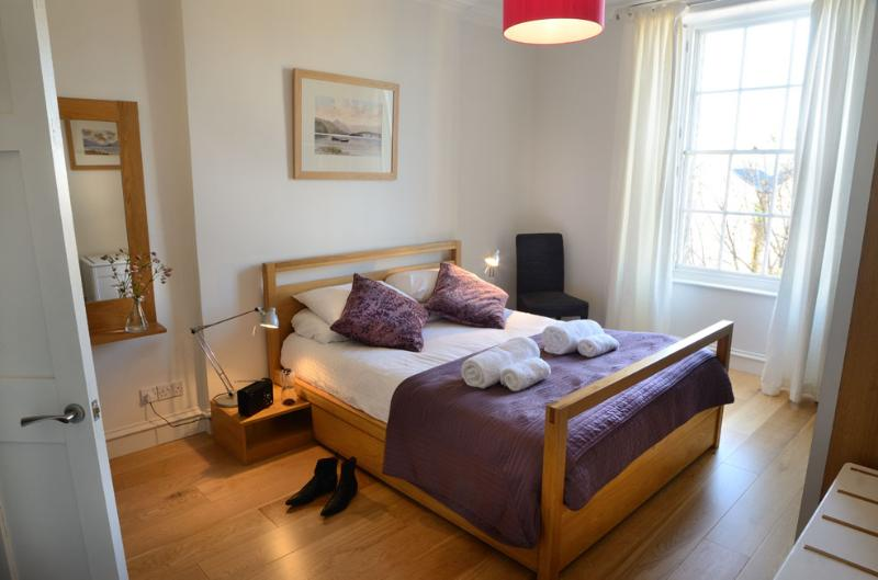 The Stylish City Break at The Edinburgh Address - Gayfield Square - Image 1 - Edinburgh - rentals