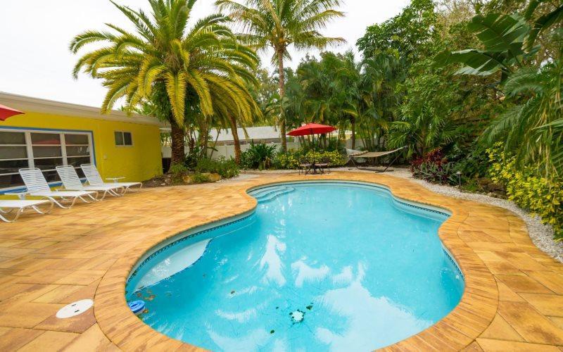 Crescent Cottage - Image 1 - Sarasota - rentals