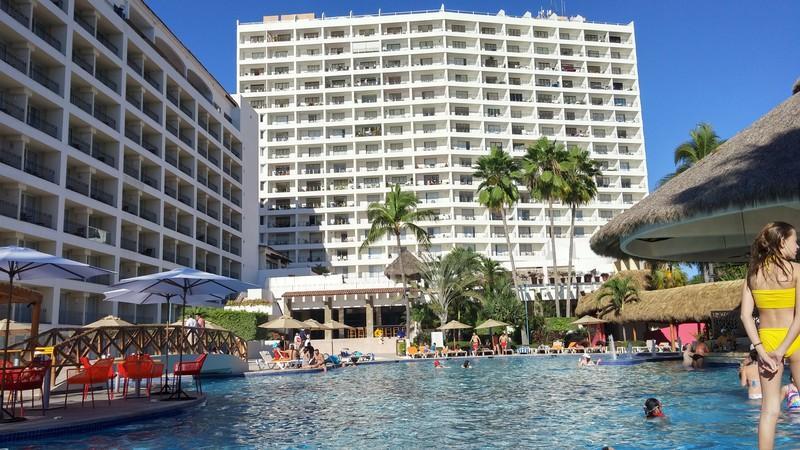 SRT1743 - Casa Linda Vista - Beautiful 17th floor views - Beachfront with Amazing Ocean Views - Pool / Wi-Fi - Puerto Vallarta - rentals