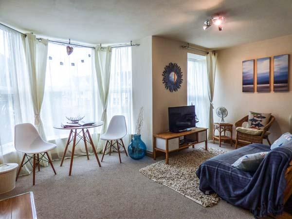SUNSET APARTMENTS, short walk to beach, off road parking, close to amenities, Newquay, Ref 937201 - Image 1 - Newquay - rentals