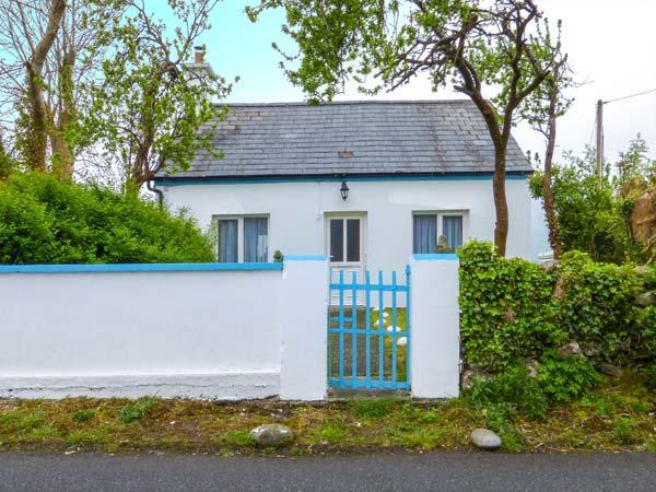 BAUNKYLE COTTAGE, garden, open fire, pet-friendly, in Corofin Ref 937746 - Image 1 - County Clare - rentals