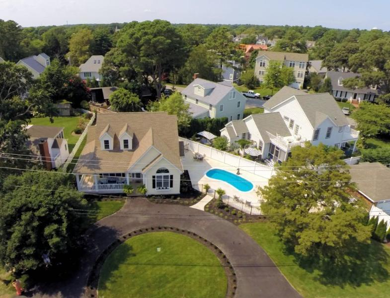 Aerial of Cottage, Pool and Circular Drive for 4 Cars.  Beautiful Landscaping. - Luxury Beach Cottage   Private Pool   3 Masters - Rehoboth Beach - rentals
