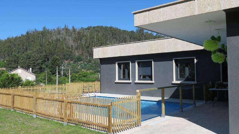 Luxurious new villa with swimming pool on Rias Baixas - Image 1 - Vilaboa - rentals