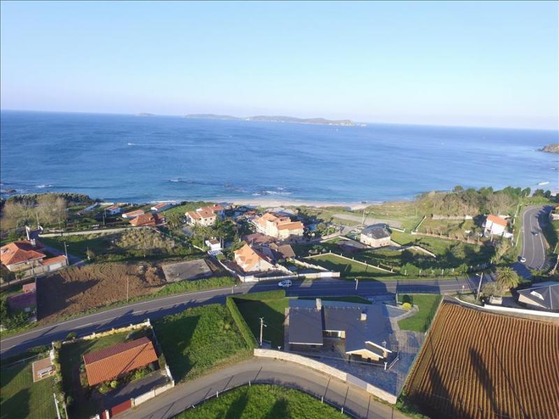 Stunning new waterfront villa with amazing views - Image 1 - Sanxenxo - rentals
