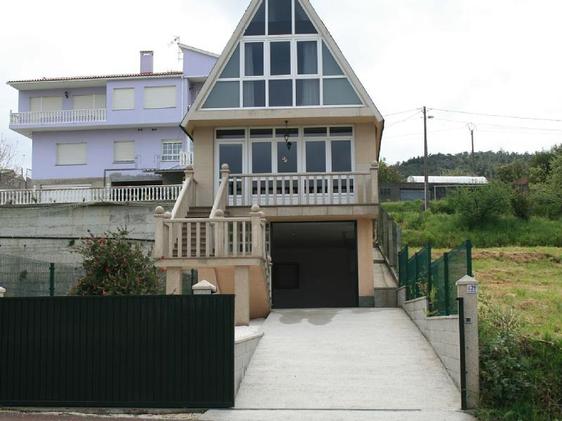 Cozy family friendly house on the beach - Image 1 - Cabana de Bergantinos - rentals