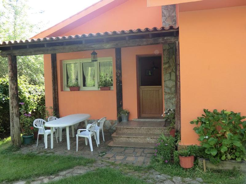 Lovely villa in a peaceful environment with direct access to the beach - Image 1 - Fisterra - rentals
