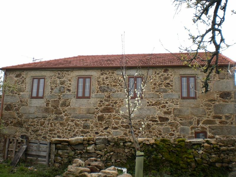 Peaceful and charming stone house in Ourense - Image 1 - Muinos - rentals