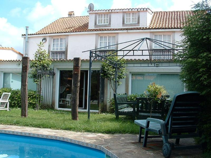 Lovely holiday house with pool and barbacue near the beach - Image 1 - Sada - rentals