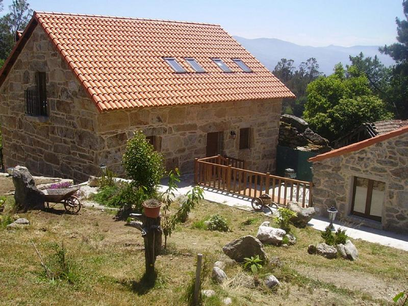 Fascinating holiday home with swimming pool in the mountains - Image 1 - A Caniza - rentals