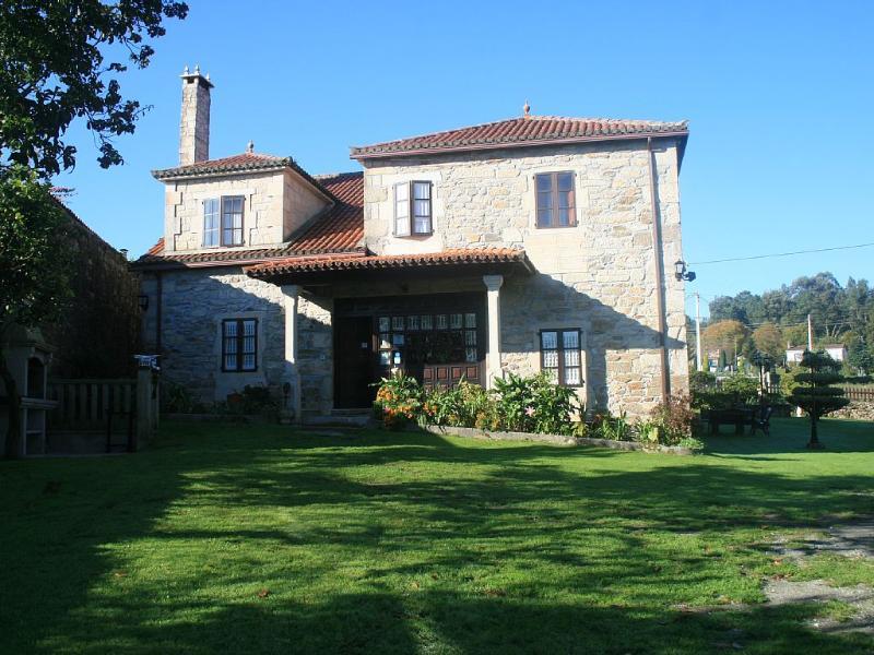 Breathtaking large rural house for 17 people in Silleda - Image 1 - Silleda - rentals