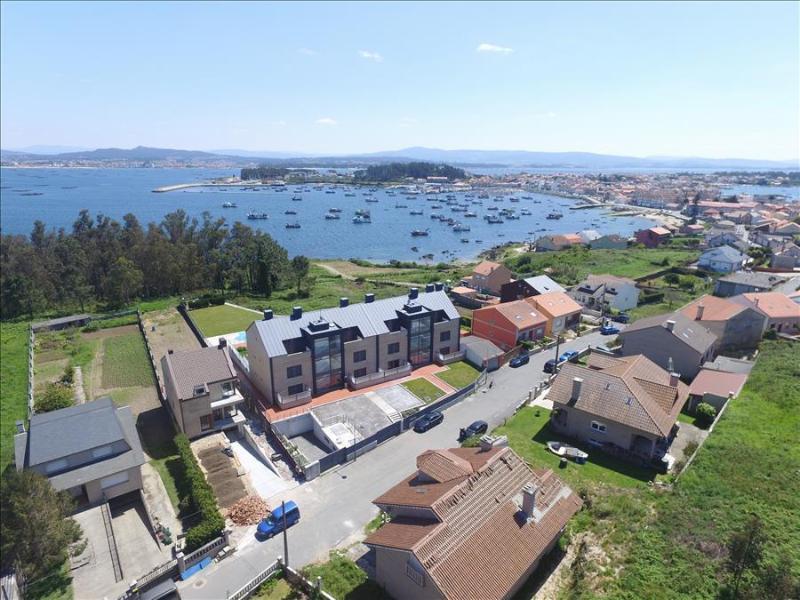 Luxurious brand new apartment with swimming pool on Isla de Arousa - Image 1 - Illa de Arousa - rentals