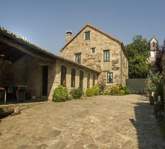 Luxurious rural house in lovely surroundings on Costa da Morte - Image 1 - Carballo - rentals