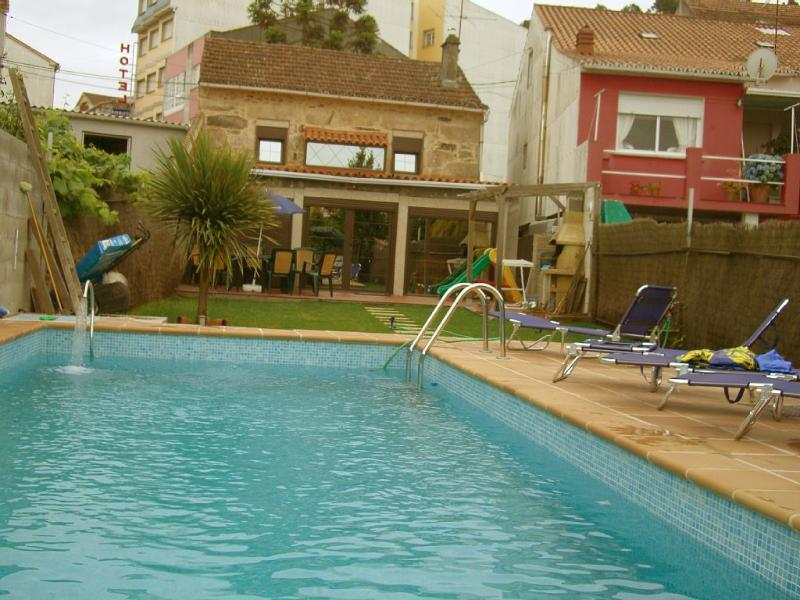 Rustic and cozy holiday house with swimming pool. - Image 1 - O Grove - rentals