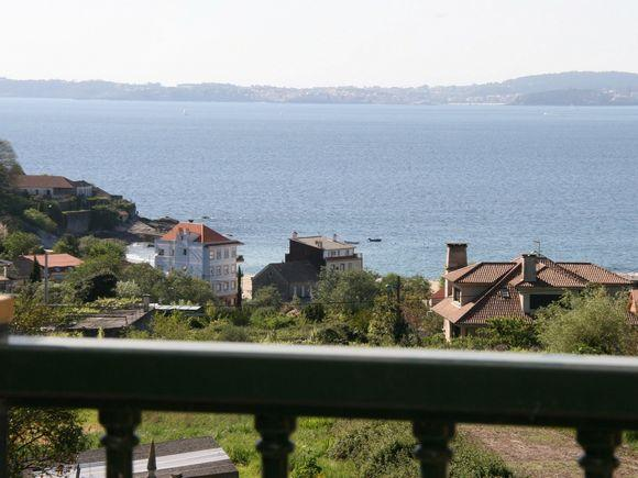 Luxury apartment with spectacular sea views on Rias Baixas - Image 1 - Marin - rentals