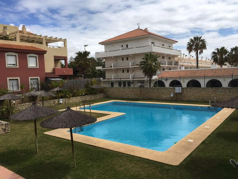 Luxury beachfront apartment with swimming pool in Rota - Image 1 - Rota - rentals