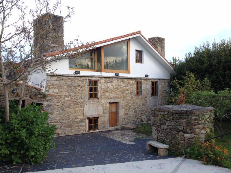 Lovely stone house near the coast with barbecue - Image 1 - Malpica de Bergantinos - rentals