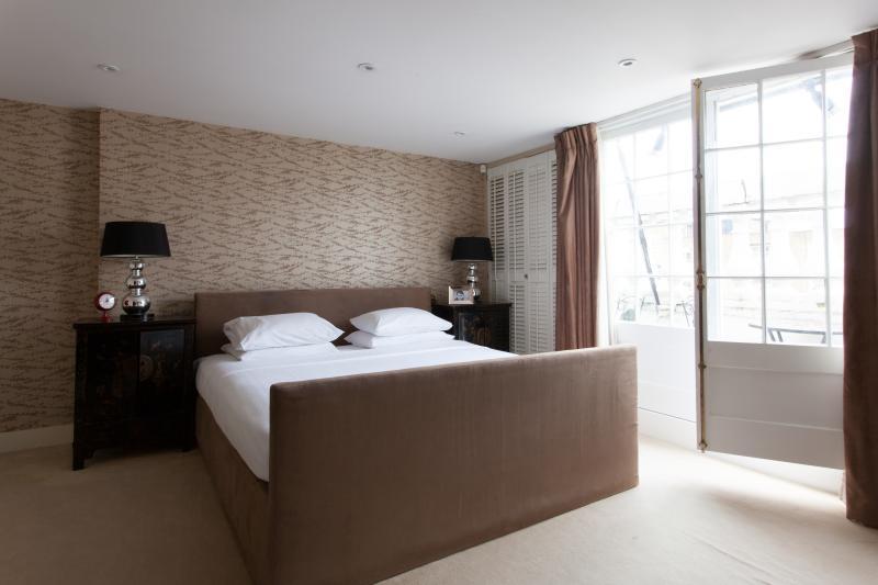 Eaton Place II - Image 1 - London - rentals