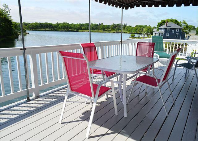 Deck overlooking the tidal river. - Afternoon Delight: Toast the beauty of the river from the waterfront deck - Beverly - rentals