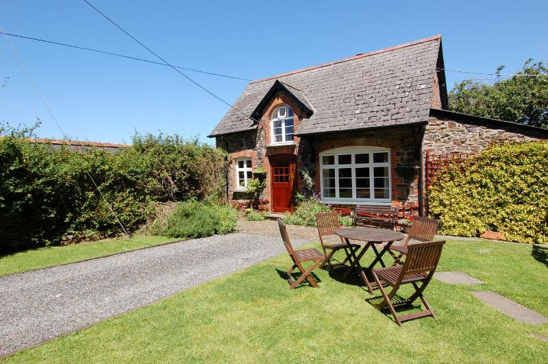 The Coach House - Image 1 - Lifton - rentals