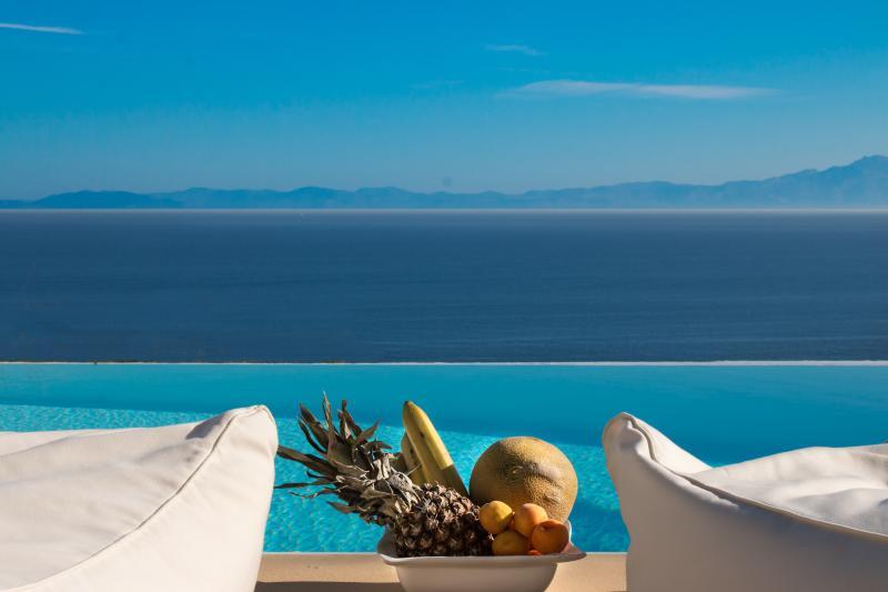 pool view - villa Sandra Maria,here the sky is the limit! - Kea - rentals