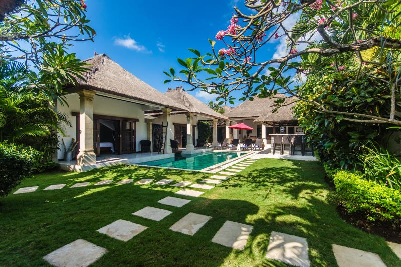 3 bedroom Villa Rama - Central Seminyak - Image 1 - Seminyak - rentals