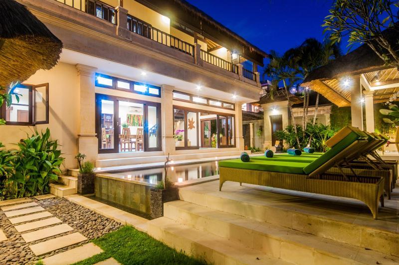 3 bedrooms - Villa Gading - Central Seminyak - Image 1 - Seminyak - rentals
